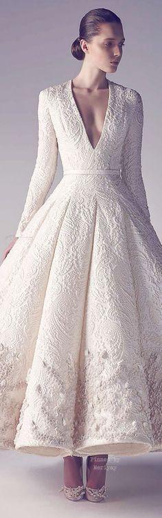 De la colección de Ashi Haute Couture Spring Summer 2015.