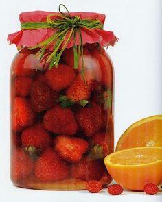 Raspberry, Strawberry, Salsa Dulce, Ketone Bodies, Canned Food Storage, Decadent Cakes, Romanian Food, Jam Jar, Marmalade