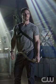 """Arrow -- """"Pilot"""" -- Pictured: Stephen Amell as Oliver Queen -- Photo: Jack Rowand/The CW ©2012 The CW Network. All Rights Reserved."""