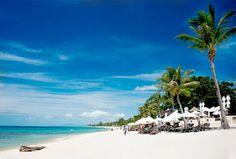 Koh Samui ist die drittgrößte Insel Thailands. Sie ist hauptsächlich mit Kokosnussplantagen bedeckt und alle nur erdenklichen Kokosnussarten Thailands kommen hier vor. Koh Samui liegt im Golf von Thailand, 35 Kilometer östlich vom Festland. Die größte Attraktion der Insel sind die überaus beliebten Strände, insgesamt 26 km lang. Mehr zu Koh Samui unter: http://www.thailand-bereisen.com/p/koh-samui-phangan-koh-tao.html