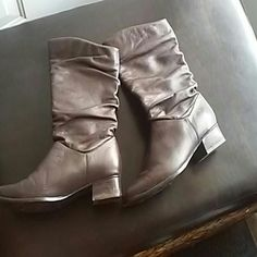 Liz Baker scrunchie brown boots Gently used brown boots. A couple scruffs, but in otherwise fair condition. Sized 6 1/2 Shoes Ankle Boots & Booties