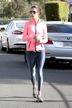 24 Reasons Why Alessandra Ambrosio Was Our Celeb Fitspiration This Year Vinyl Leggings, Sports Leggings, Alessandra Ambrosio, Girls Jeans, Spandex, Fitspiration, Fitness Fashion, Sexy Women, Clothes For Women