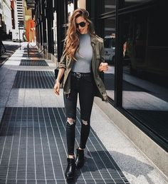 24 Best Black Pants Outfit Ideas to Copy Wearing black pants fashionably can be an intimidating task. Keep on scrolling to explore the best black pants outfit ideas to chic and modish. Casual Outfits, Fashion Outfits, Womens Fashion, Fashion Ideas, 90s Fashion, Dubai Fashion, Fashion Trends, Fashionable Outfits, Classy Fashion