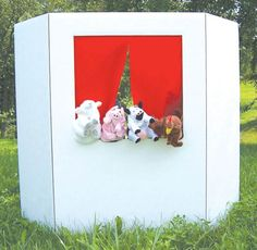 Puppet Theater | Main photo (Cover) (DIY using trifold project board)