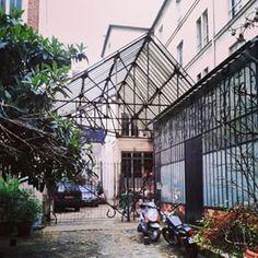@janettesvn Instagram photos | Hidden behind a courtyard door... #atelier #hiddentreasure #hiddenParis #Paris #Parisjetaime #IloveParis #instaparis #igersparis #instafrance