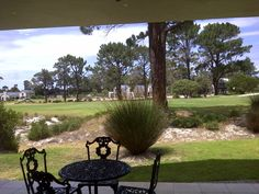 HERMANUS HOME FOR SALE   BORDERING THE GOLF GREENS, OFFERING CALMING VIEWS, MODERN AND STYLISH.