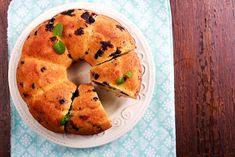Tejszínes, áfonyás kuglóf - Recept   Femina Bread, Cookies, Desserts, Food, Crack Crackers, Tailgate Desserts, Deserts, Brot, Biscuits