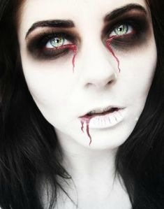 easy halloween makeup                                                                                                                                                                                 More