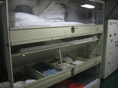 navy bunks storage below bed Navy Day, Go Navy, Liveaboard Boats, Navy Military, Military Humor, Navy Chief, Navy Boots, Mobile Living, Boat Design