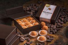 De Nederlandse Bal. Handgemaakte bonbon-bal met de smaak van Oranje-Boven!