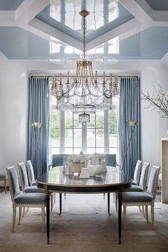 """"""""""" Suzanne Kasler loves a White Wall Color """""""" Why Suzanne Kasler loves white walls """""""" Dining Room Blue, Luxury Dining Room, Living Room White, White Rooms, Dining Room Chairs, White Walls, White Dining Rooms, Luxury Living, Living Rooms"""