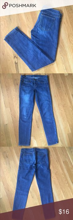 """JCrew 26 Ankle Toothpick Stretch Denim Jeans JCrew's toothpick jeans can be deceiving in name.  Toothpicks sound uncomfortable and these jeans are nothing but soft and comfortable. More aptly, they should rename these jeans bunny fur!  26 ankle with stretch to the material, you can pass out after a fun night out in these jeans and fool yourself into thinking you're in your pajamas. Even with this comfort, this pair of jeans holds it's shape all day long.  27"""" inseam 15"""" flat lay waist 7.5""""…"""