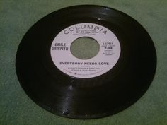 NORTHERN  /  Emili Griffith - Everybody Needs Love -  COLUMBIA   /   SOUL 45
