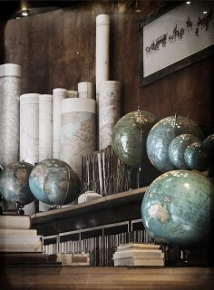 Vintage maps as vase filler! Globes Terrestres, World Globes, Vintage Maps, Map Globe, Map Wallpaper, Space And Astronomy, We Are The World, Vintage Industrial, Home Decor