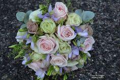 Rose wedding bouquet by www.cornwallweddingflowers.com