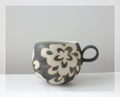 Hand carved ceramic cup ● Taketoshi Ito ●