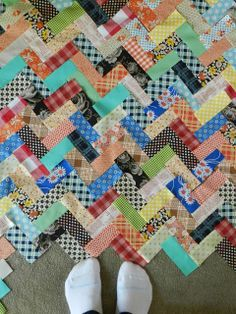 I am SOOOOO making this using this tutorial!  Molly Flanders Makerie: A Modified Y-Seam???
