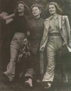 Katharine Hepburn con sus dos hermanas                              …
