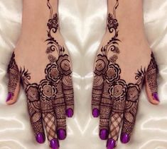 Extremely beautiful mehndi design