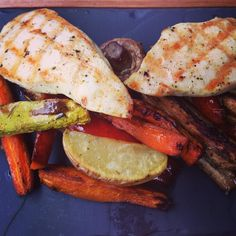 Grilled chicken breast with roasted vegetables #lunch #protein #holiday #motivation #dreambody #sixpack #abs #muscle #shredded #fitness #workout #transformation #eatclean #getlean #healthyfood #girlsthatlift #crossfit #crossfitgirls #fitness #fitgirls #stronggirls #live #love #lift #nevergiveup #livingtoinspire #livingthedream #tagsforlikes #ifbb #ukbff #bodybuilding