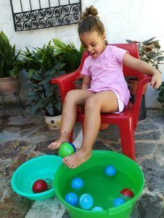 10 Actividades motricidad gruesa | Mamá y 1000 cosas más Motor Skills Activities, Toddler Learning Activities, Indoor Activities For Kids, Montessori Activities, Fun Activities, Kids Learning, Movement Activities, Physical Activities, Gross Motor Skills