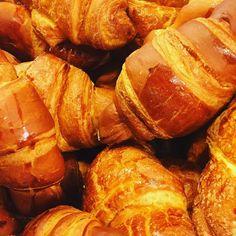 I cornetti del week end!!!! Promozione 3x2 !!!!! #cake #dolciitaliani #riminitipica #riminiwellness #ilfornodellavecchiapescheria #rimini #rimini2016 # by il_forno_dellavecchiapescheria