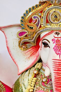 Make this Ganesha Chathurthi 2020 special with rituals and ceremonies. Lord Ganesha is a powerful god that removes Hurdles, grants Wealth, Knowledge & Wisdom. Arte Ganesha, Lord Ganesha, Shri Ganesh, Lord Shiva, Durga, Elephant Love, Elephant Art, Indian Elephant, Indian Gods