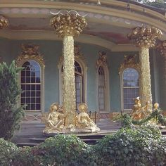 Discover recipes, home ideas, style inspiration and other ideas to try. Beautiful Architecture, Beautiful Buildings, Art And Architecture, Beautiful Places, Chinoiserie, Rococo, Baroque, Arquitectura Wallpaper, Interiores Art Deco