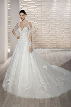 Wedding Dresses Simple, Charming Tulle Sheer Scoop Neckline A-Line Wedding Dress With Beaded Lace Appliques Midi Bridal Uk Bridal Party Dresses, Wedding Dresses Photos, Wedding Dress Styles, Dream Wedding Dresses, Bridal Gowns, Wedding Gowns, Making A Wedding Dress, Dress Attire, Dress Picture
