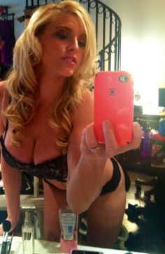 voluptuous blonde selfshot