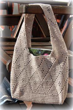 Allt och lite till: En virkad väska Purses, Knitting, Crochet, Clutches, Fashion, Crochet Purses, Backpacks, Handbags, Moda