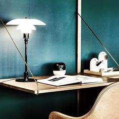 dk3_design_furnitureGreat photo of our ROYAL SYSTEM shelving taken by @fotomohito.pl @designzoopl  #dk3 #royalsystem #poulcadovius #1948 #danishdesign #madeindenmark www.dk3.dk