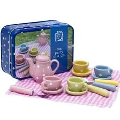 A beautiful ceramic mini tea set in a tin. Perfect for a Teddy bear's picnic this miniture tea set makes a lovely gift for children. Ceramic Teapots, Toys Online, Miniture Things, Educational Toys, Home Gifts, Tea Set, Wooden Toys, Gifts For Kids, Tea Party
