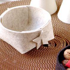 Unavailable Listing on Etsy Yule Crafts, Diy And Crafts, Holiday Crafts For Kids, Diy For Kids, Origami, Felt Coasters, Craft Packaging, Felt Templates, Fabric Bowls