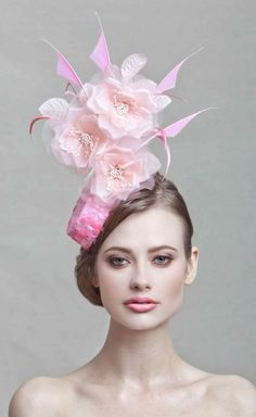 Hat Vogue Style Fashion pink fascinator Hot Pink Fascinator Cocktail Hat Kentucky derby hat by ArturoRios Couture Derby Hats Fashion Vogue Rose Vintage, Pink Fascinator, Pillbox Fascinators, Tout Rose, Crazy Hats, Cocktail Hat, Kentucky Derby Hats, Fancy Hats, Wedding Hats