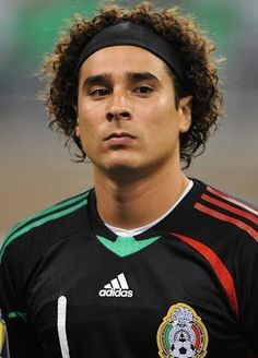 Full Name: Francisco Guillermo Ochoa Magaña Hair Color: Brown - Dark Eye Col. National Football Teams, Football Fans, Mexico Soccer, Football Mexicano, Club America, Fifa World Cup, Goalkeeper, Celebrity Hairstyles, Soccer Players