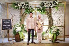 54 Ideas For Vintage Wedding Venues Floral Design Wedding Backdrop Design, Rustic Wedding Backdrops, Engagement Decorations, Outdoor Wedding Decorations, Backdrop Decorations, Wedding Venues, Floral Backdrop, Backdrop Ideas, Indonesian Wedding