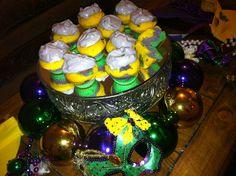 Mardi gras Cupcakes...yayyyyy