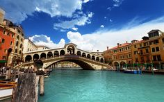 Venice bridge – choose the size of wallpaper Venice Bridge, Grand Canal Venice, Rialto Bridge, Venice Wallpaper, Of Wallpaper, Cool Countries, Countries Of The World, Venice Travel Guide, Italy Culture