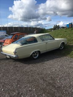 Plymouth Cars, Plymouth Barracuda, Cars Motorcycles, Vintage Cars, Cool Cars, Classic Cars, Trucks, American, Vehicles