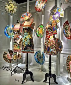 (A través de CASA REINAL) >>>>> The windows at Saks Fifth Avenue's Manhattan flagship.