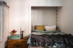 Metargatan 5 - Bostadsrätter till salu i Stockholm | Länsförsäkringar Fastighetsförmedling Rustic White, Compact Living, Decoration, Studio, Bedroom, Furniture, Stockholm, Home Decor, Weathered Furniture