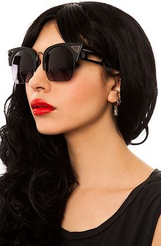 The Coco and Breezy Sunglasses Zesiro in Matte Black