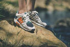 Cette année marque le retour, chez adidas, du modèle EQT, l'une des silhouettes les plus emblématique de sa gamme running sortie en 1993. En cette fin d'année, la marque aux trois bandes revient avec une collection exclusive de deux modèles réalisées en collaboration avec les marques High and Low et Solebox. #adidasconsortium #adidas #solebox #sneakers #retro #adidasconsortiumeqt #collaboration #adidasconsortiumeqtguidance93