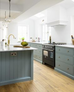 Paired With Brass Door Furniture And Taps, Crisp White Walls And Slim  Carrara Marble Worktops It Creates A Very Calm And Stylish Kitchen, ... Part 42