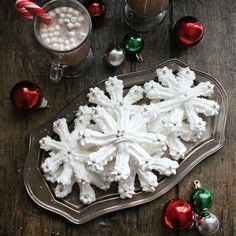 meringue cookies 15 Meringue Recipes to Whip Up for the Holiday Season via Brit Co Xmas Food, Christmas Sweets, Christmas Cooking, Christmas Candy, Christmas Pavlova, Christmas Cupcakes, Christmas Holidays, Holiday Cakes, Holiday Treats