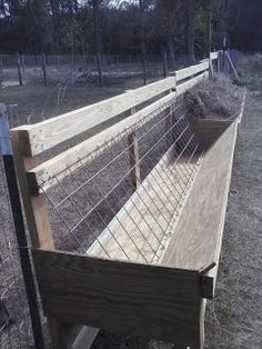 Hay feeders for goats & sheep to reduce waste. Similar hay feeder design plans can found on goat & sheep supply The Farm, Small Farm, Goat Hay Feeder, Diy Hay Feeder, Sheep Feeders, Horse Feeder, Goat Shelter, Goat Pen, Goat Care