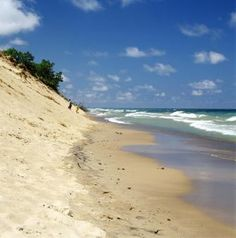 This Lake Michigan coastline, just one hour southeast of Chicago, features towering sand dunes. Nearby Chesterton offers dining and lodging, but the attraction is the shore for swimming, hiking, biking and bird-watching.