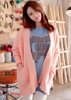 Today's Hot Pick :Tapered Sleeve Knit Cardigan http://fashionstylep.com/SFSELFAA0012611/cys1214en/out A knit cardigan that gives off a cozy and relaxing vibe. With tapered long sleeves and an open front, it fits loosely and long enough to go past the hips. With two side pockets for convenience. Great for casual wear, especially over a shirt and skinny pants ensemble.
