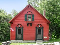 7 of the Most Charming Converted Little Red Schoolhouses For Sale Cottage Homes, Cottage Style, Real Estate School, Country School, Red Houses, Bed Frame Design, Old School House, Cottages And Bungalows, Vintage Cabin
